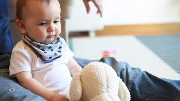 Чому виникає затримка мовного розвитку у дитини