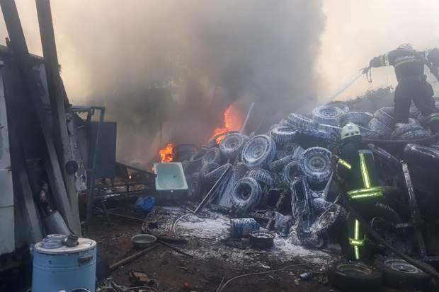 Харків пожежа склад фото