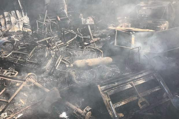 Харків склад пожежа покришки фото