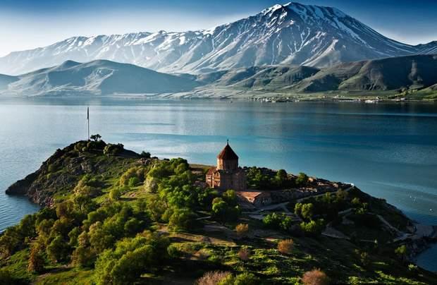 Турецьке озеро Ван