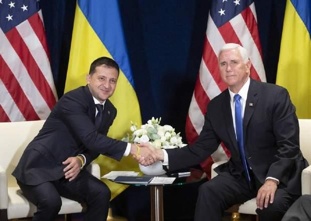Зеленський у Польщі зустрівся з Пенсом