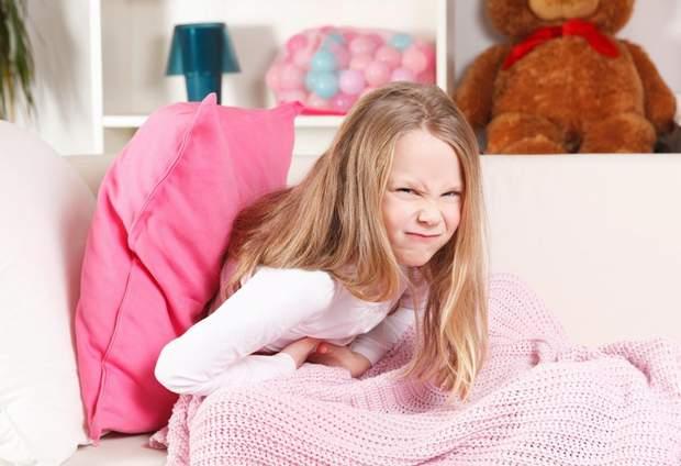 Чому болить живіт у дітей та підлітків