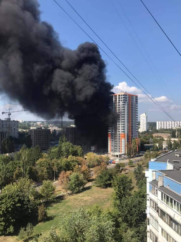 Пожежа Київ Оболонь багатоповерхівка