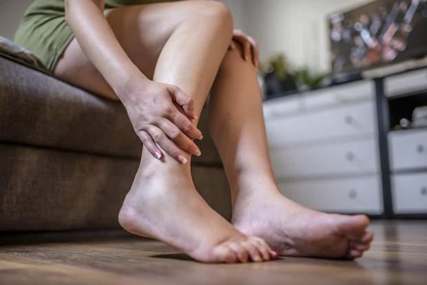 Жирові набряки виникають виключно у жінок