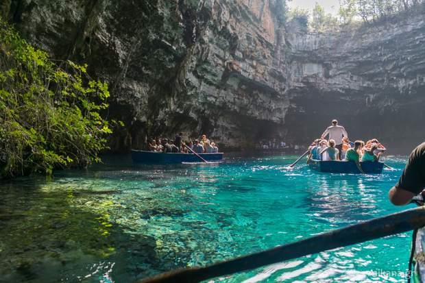 мелісані печера