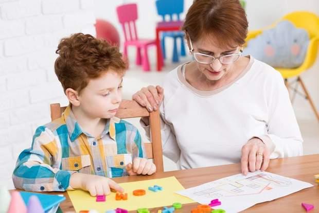 Для дітей з аутизмом є важливими добрі стосунки з вчителем