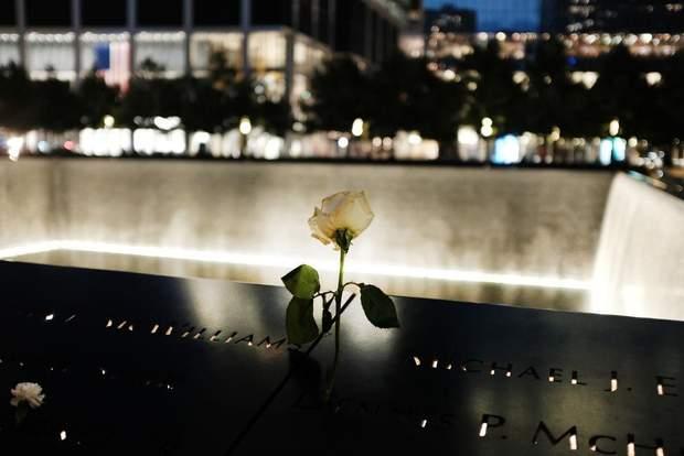 Нью-Йорк вежі-близнюки меморіал 11 вересня