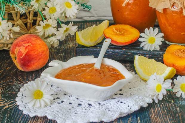 Варення з персиків і лимону