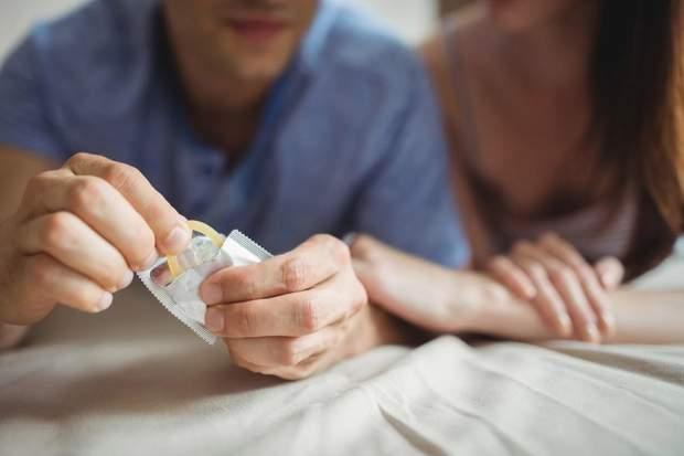 Щоб вберегтися від алергії – користуйтеся презервативом