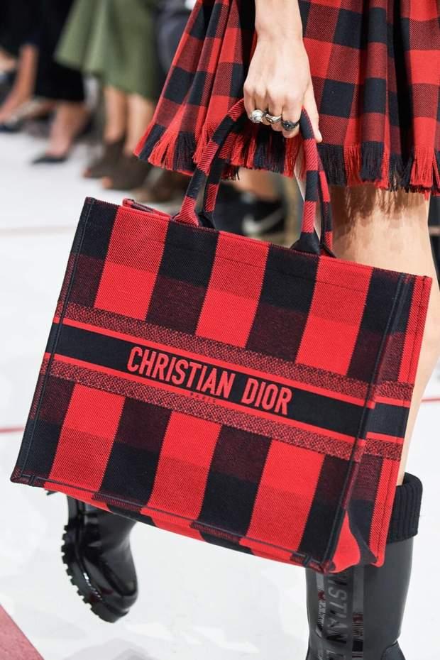 Об'ємна сумка – тренд осені 2019