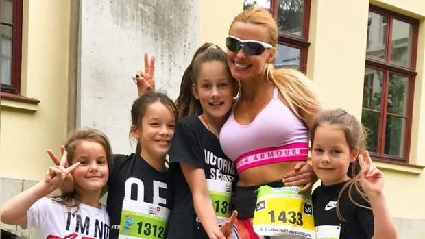 Роксана з дітьми на марафоні / Скріншот з відео 24 каналу
