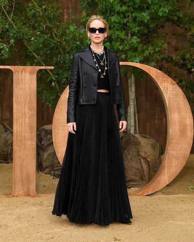 Дженніфер Лоуренс на показі Dior