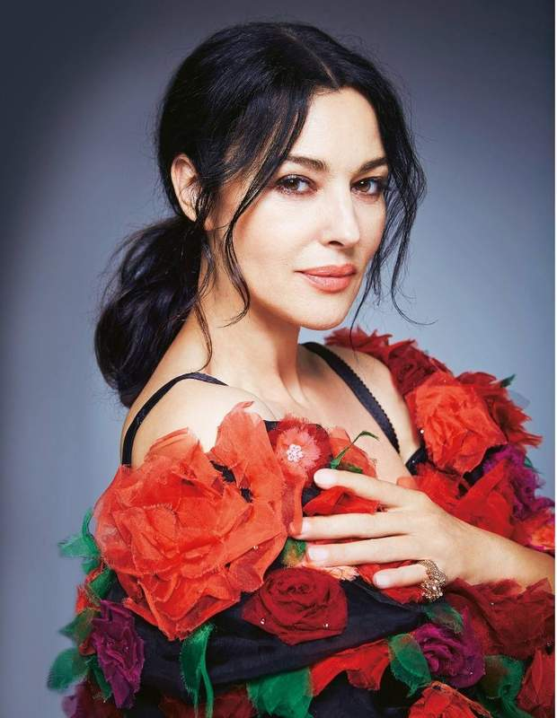 Розкішна італійська акторка