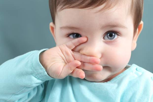 При алергії люди часто чхають