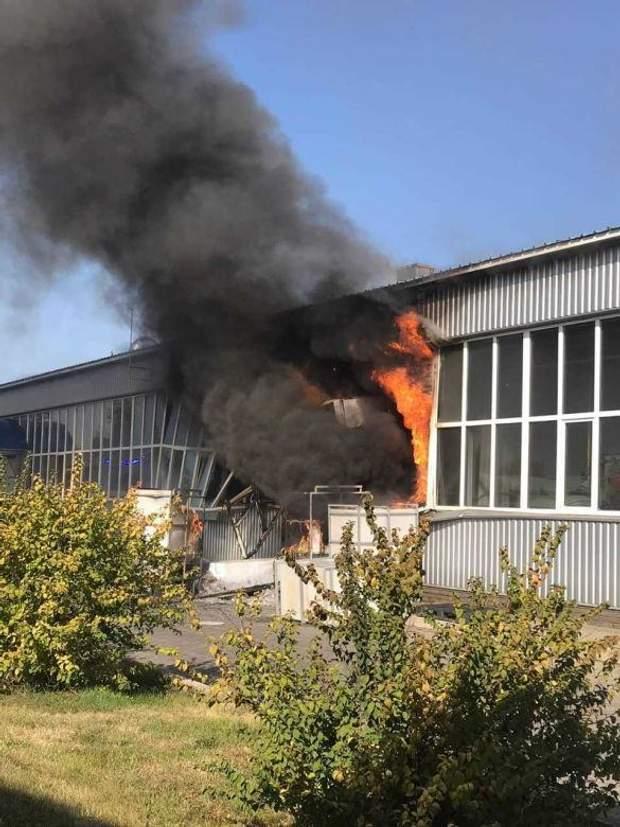Вибух спричинив пожеж на заводі