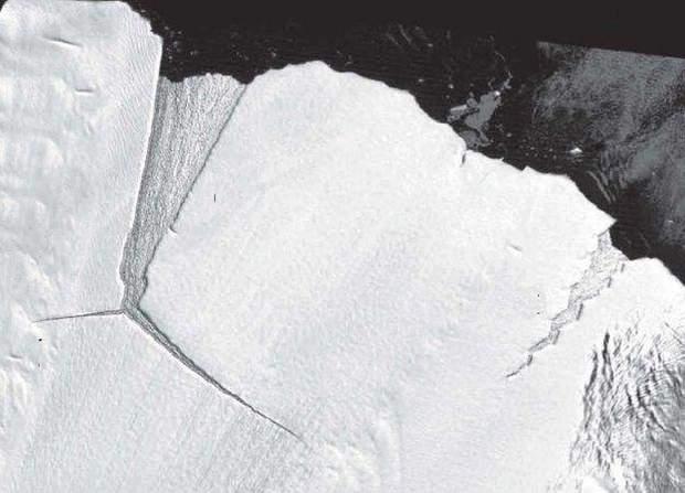 Айсберг D28 Антарктида