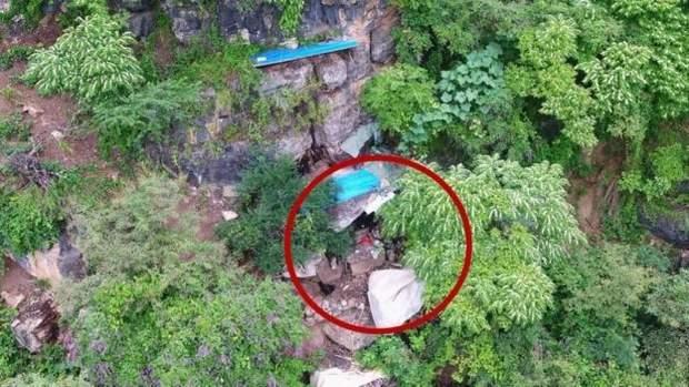 чоловік 17 років жив у печері