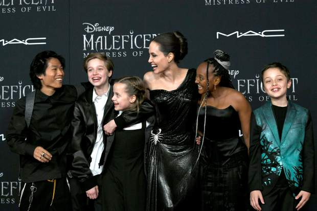 Анджеліна Джолі з дітьми