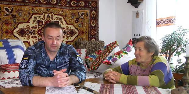 Андрій Оприско з матір'ю