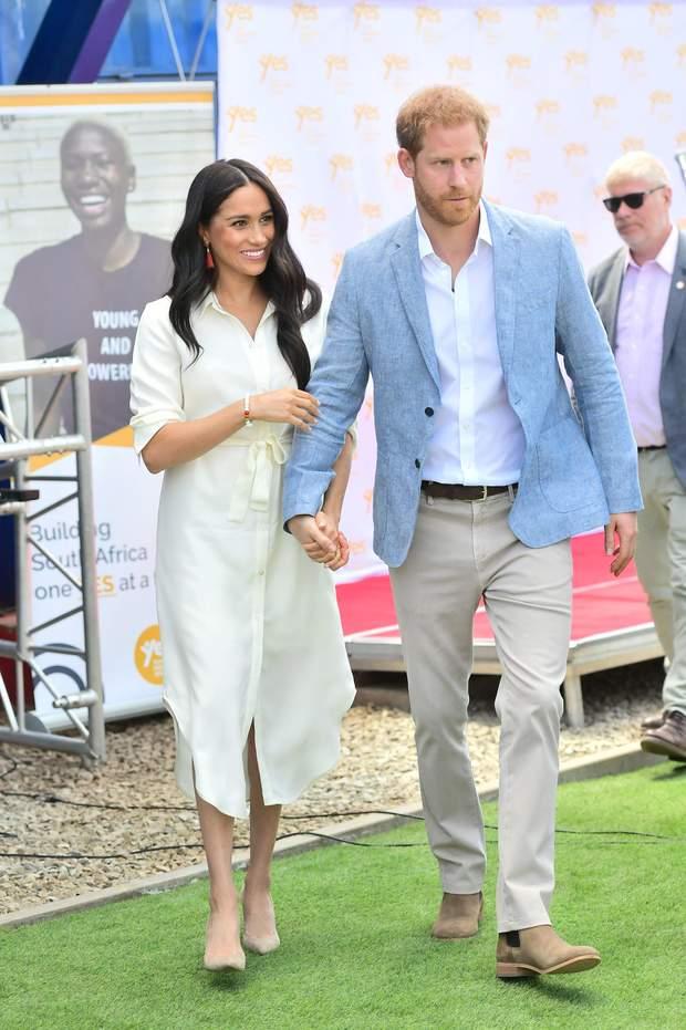 Принц Гаррі і Меган Маркл в турі Африкою