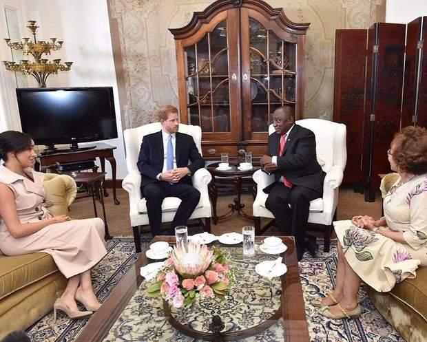 Меган Маркл і принц Гаррі тур Африкою