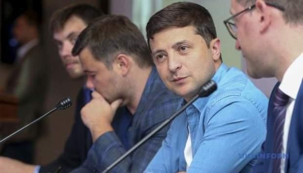 До України прийшла нова влада