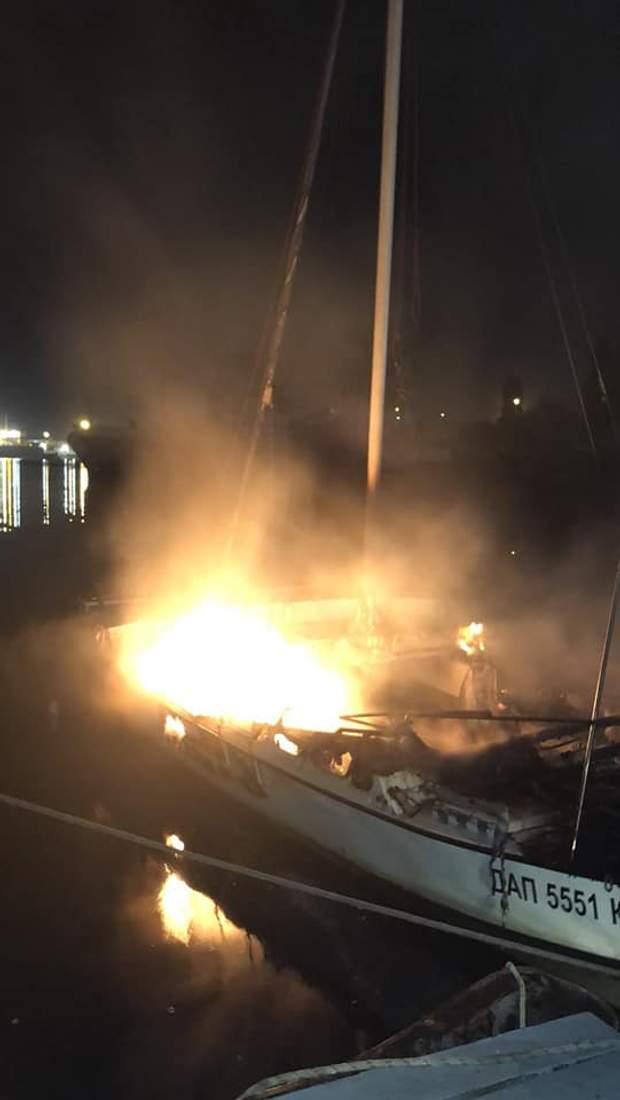 одещина яхта пожежа