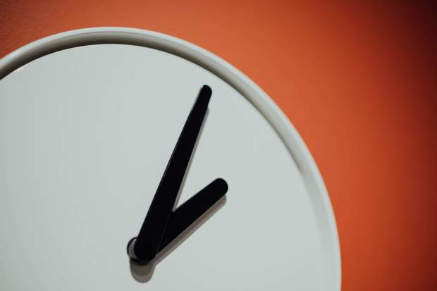 Переведення годинника найбільше шкодить людям з хворобами серця