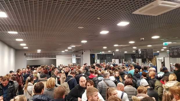 рига аеропорт черга