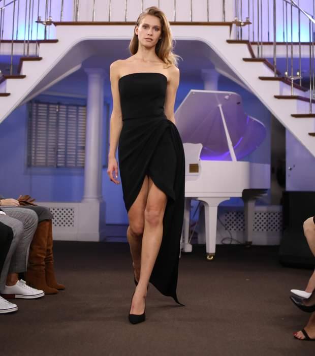 Чорна сукня в гардеробі