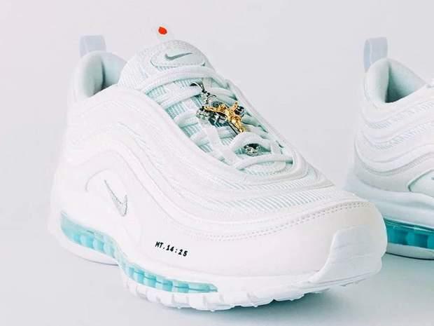 взуття ісуса кросівки
