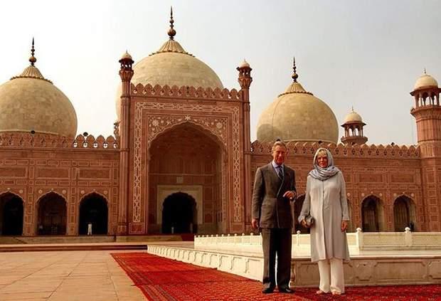 Принц Чарльз і його дружина Камілла у 2006 році в Пакистані