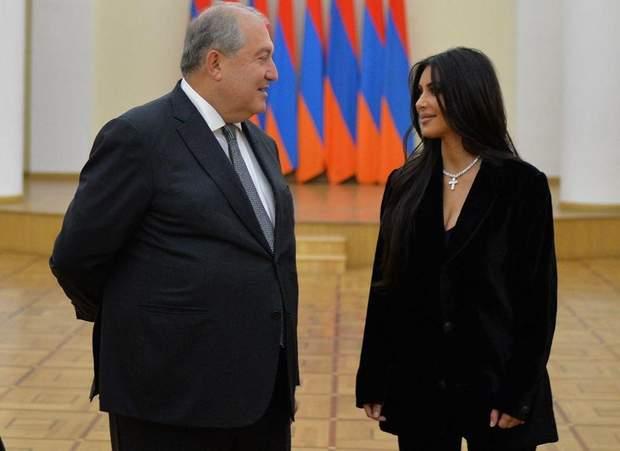 Кім Кардашян на зустрічі з главою Вірменії