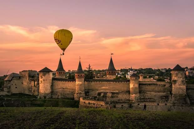 У Кам'янці-Подільському проводиться фестиваль повітряних куль