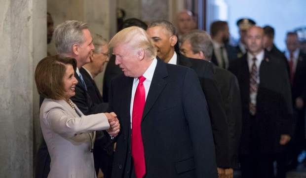 ненси пелоси и дональд трамп
