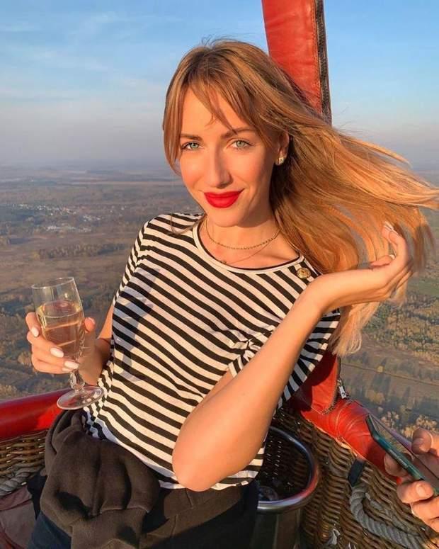 Леся Нікітюк покаталась на повітряній кулі