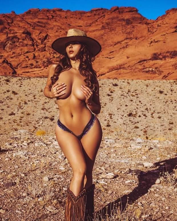 Модель і блогерка Демі Роуз