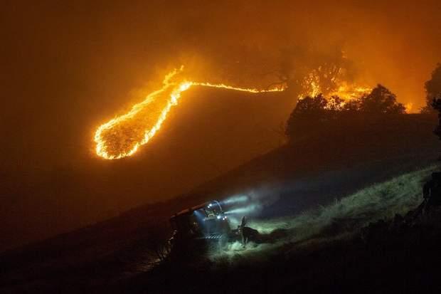 Через вогонь без електрики можуть залишитися жителі таких великих міст, як Лос-Анджелес, Сан-Франциско