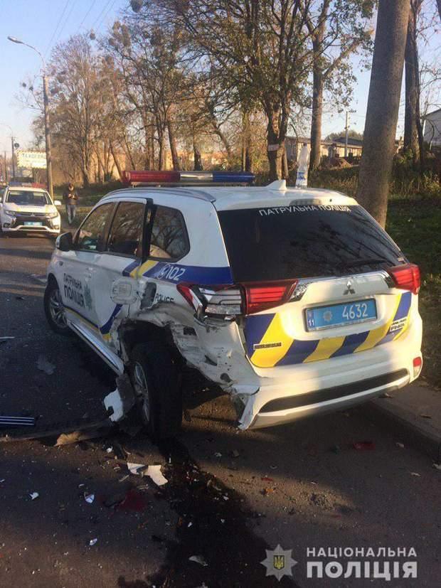 аварія з патрульними поліцейськими у Рівному