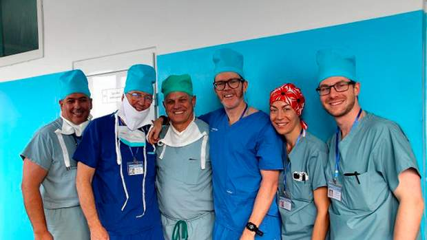 Українські та канадські хірурги відновили обличчя підлітку