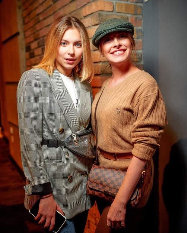 Олена Кравець з донькою Марією