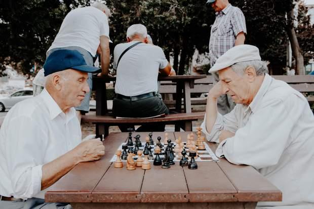 Старшим людям потрібна фізична та розумова активність