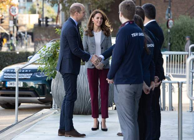 Принц Вільям та Кейт Міддлтон на зустрічі з волонтерами