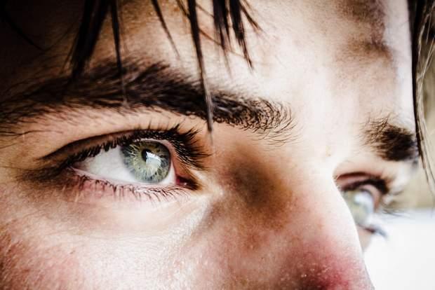 Лінзи можуть викликати синдром сухого ока