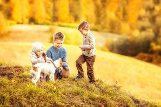 Фото дітей з домашніми тваринами виглядають дуже щиро