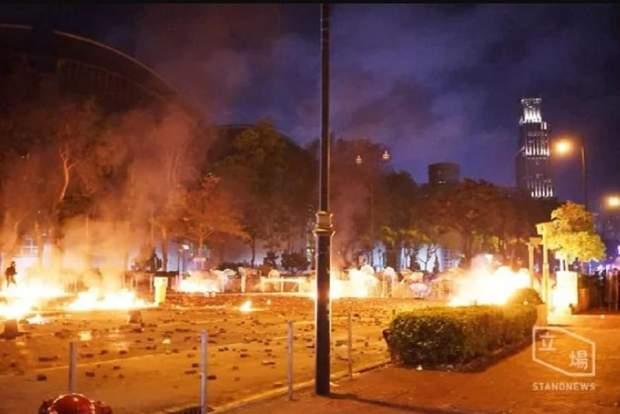 протести студенти гонконг поліція харитонов