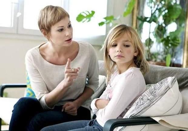 Негативні стосунки можуть передатися дитині, як поганий приклад