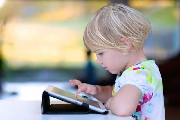 Діти проводять до шести годин в інтернеті
