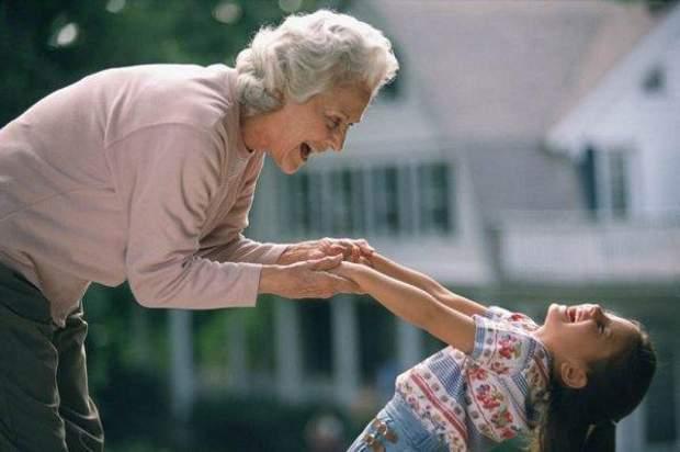 Нехай ваші батьки допомагають у вихованні дитини