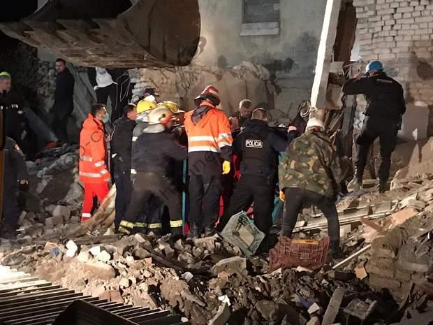 албанія землетрус жертви рятувальники